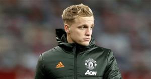 Man Utd outcast Van de Beek left 'upset' by continued Solskjaer snubs