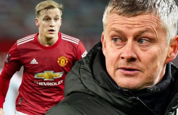 Manchester United boss Solskjaer gives worrying Van de Beek insight – 'Wouldn't say happy'