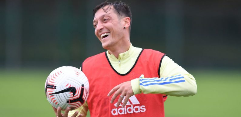 Mesut Ozil's brother drops cryptic hint on Instagram over his Arsenal future