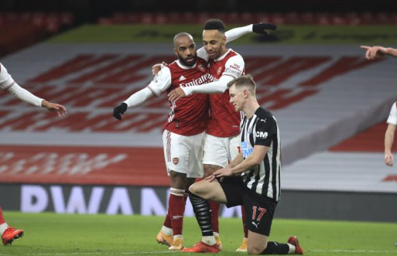 Aubameyang double gives Arsenal win over Newcastle