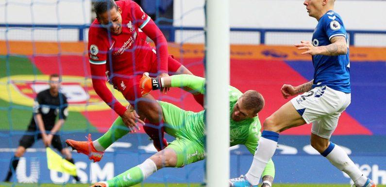 Ref Oliver admits regret over handling of Pickford's challenge on Van Dijk