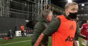 Van de Beek and Solskjaer's full-time exchange speaks volumes