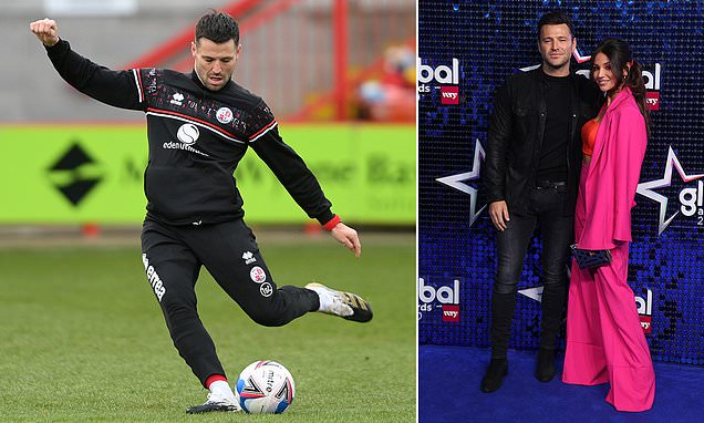 TOWIE's Mark Wright on the bench for Crawley's FA Cup tie with Leeds
