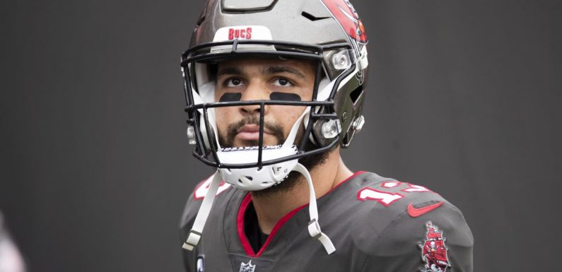 Buccaneers WR Mike Evans considered day-to-day after MRI shows no structural damage in knee