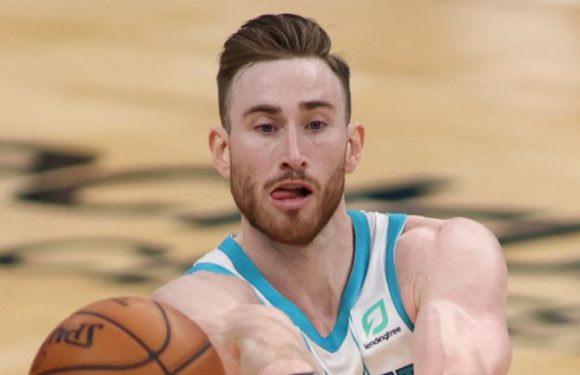 BJ Armstrong explains why Gordon Hayward is worth his $120m deal with the Charlotte Hornets