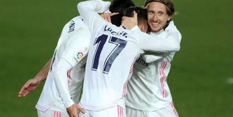 Euro round-up: Real Madrid top La Liga table, Schalke beaten again