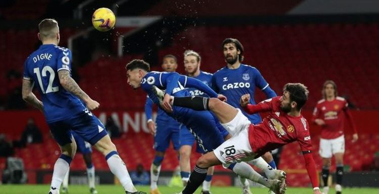 Everton's Ben Godfrey caught telling Man Utd stars to 'f*** off' after dramatic equaliser