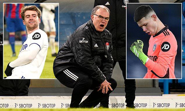 Marcelo Bielsa praises Leeds' defence as they keep rare clean sheet