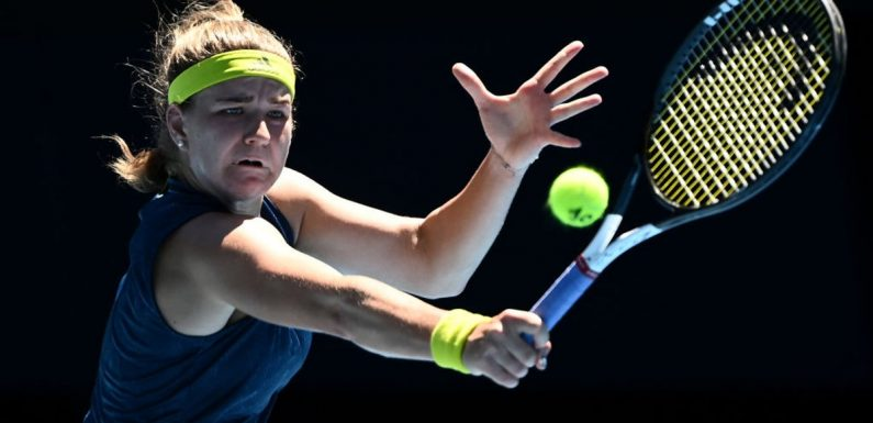 Karolina Muchova overcomes dizziness to shock Ashleigh Barty and reach semi-finals