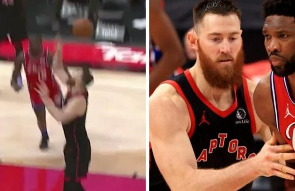 Aussie star Aron Baynes is actin' a damn fool in bizarre moment of NBA tomfoolery