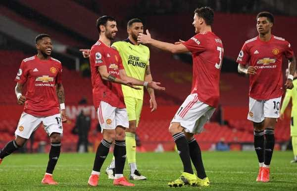 Manchester United reinforce top-four spot as Newcastle left looking over their shoulder