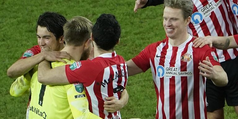 Sunderland 1-1 Lincoln (5-3 on penalties): Grant Leadbitter scores winning penalty to send Black Cats to Wembley