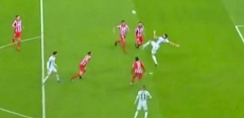 SEE IT: Olivier Giroud scores everyone's backyard goal with bicycle kick