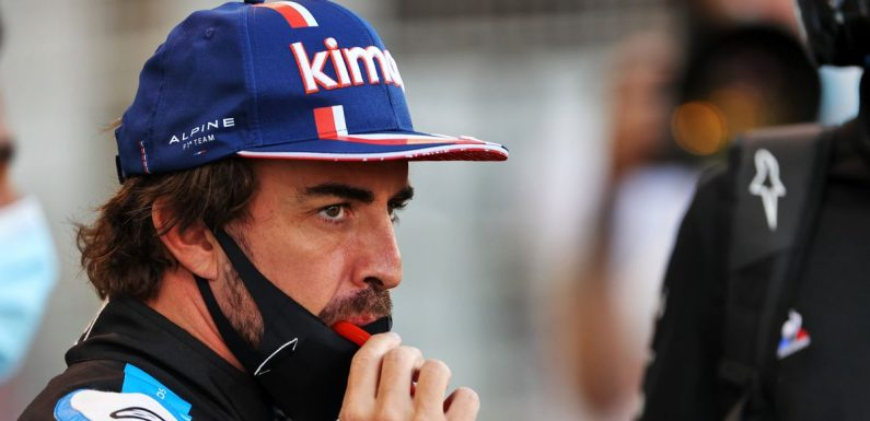 Fernando Alonso's F1 comeback ruined by sandwich wrapper during Bahrain GP