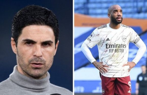 Arsenal's Alexandre Lacazette replacement plans in ruins as Leicester near £15m transfer