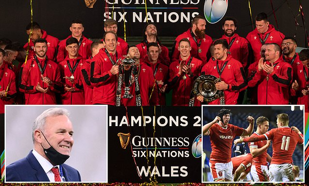 Wayne Pivac will stay on as Wales coach until the 2023 World Cup