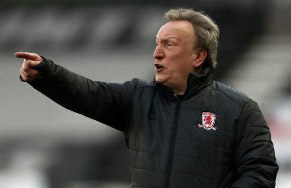 Neil Warnock laughs off comment made about Swansea boss Steve Cooper's father influencing officials' decisions