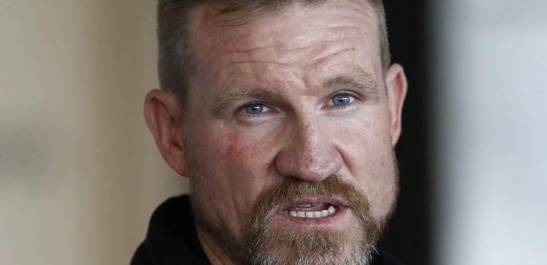 Buckley addresses De Goey and Howe's phone mishap