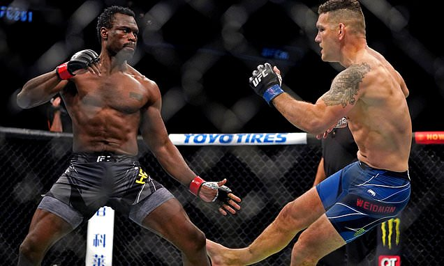 Chris Weidman BREAKS HIS LEG while kicking UFC 261 opponent Uriah Hall