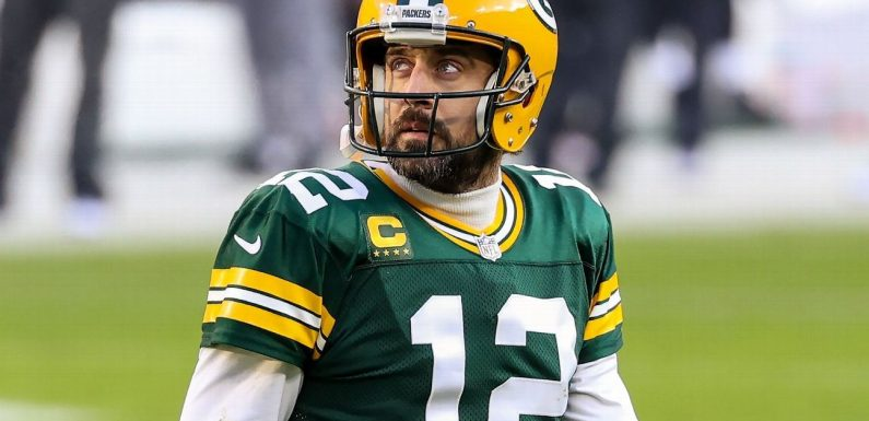 GM: Pack 'committed' to Rodgers, not trading him