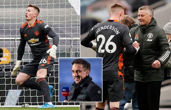 Gary Neville backs 'confident' Henderson to remain Man United's No 1