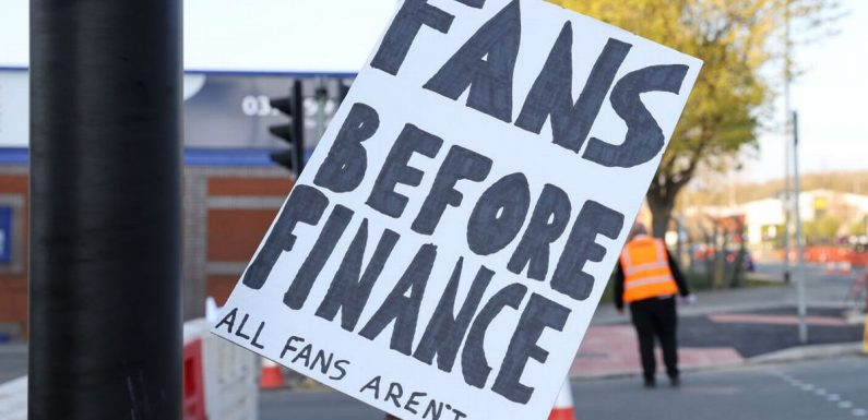 Leeds send message to Liverpool over Super League with Elland Road banner