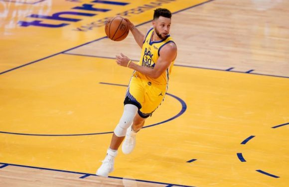 NBA: Steph Curry's offensive explosion helps Warriors crush Rockets
