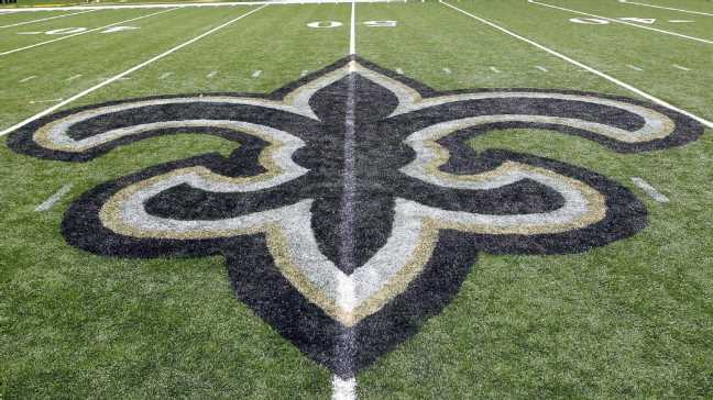Sources: Saints attempting to move into top 10