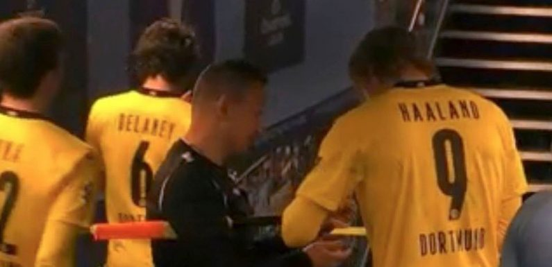 "Referee dubbed ""childish"" for getting Haaland to sign cards in City vs Dortmund"