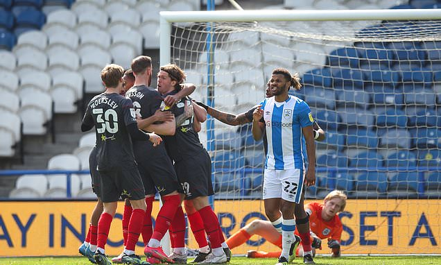 Huddersfield 1-1 Brentford: Bees' automatic promotion hopes take a hit