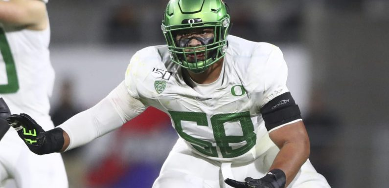 Oregon tackle Penei Sewell: Would be 'dream come true' to reunite with Justin Herbert in L.A.