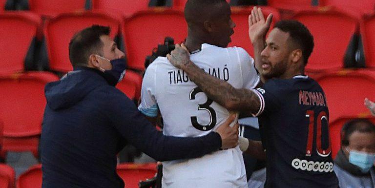 Paris Saint-Germain 0-1 Lille: Neymar sees red as Mauricio Pochettino's side hand over Ligue 1 title advantage