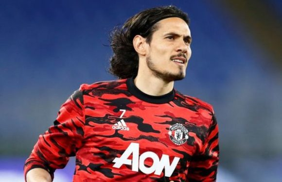 Man Utd told to make one signing to beat Man City to title after 'major' Cavani feat