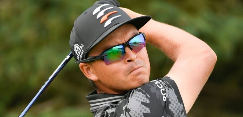 3M Open: Rickie Fowler shares lead after opening 64, Dustin Johnson forced into late caddie change
