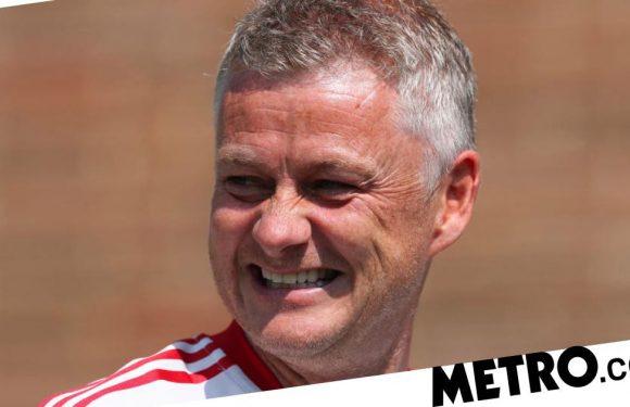Ole Gunnar Solskjaer signs new Man Utd contract
