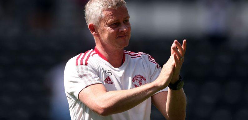 Solskjaer signs new three-year Man United deal