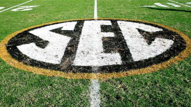Source: OU, Texas on verge of making SEC move