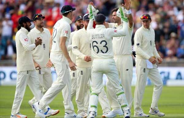 James Anderson claims three big wickets to hand England initiative in third Test