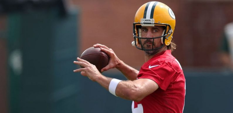 """Aaron Rodgers """"has something to prove"""" after difficult summer with Packers"""