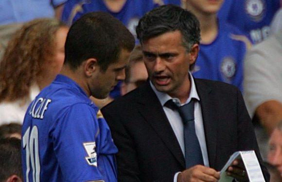 "Chelsea legend Joe Cole describes ""oh f***"" moment he ignored Mourinho"