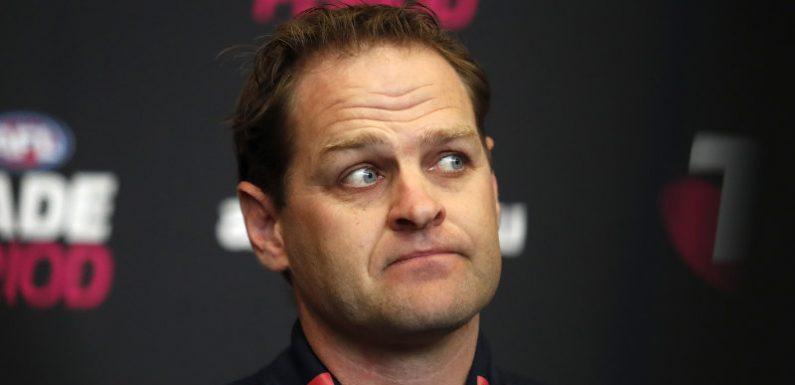 Essendon footy boss Mahoney says no to AFL
