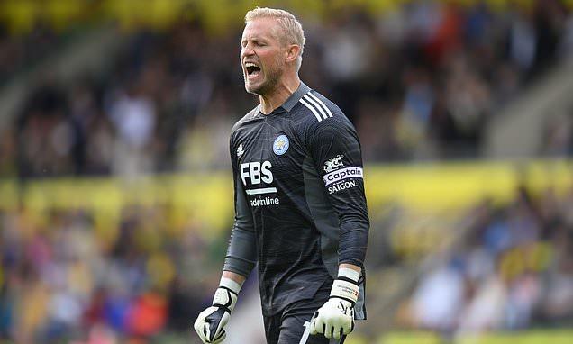 Kasper Schmeichel urges Leicester to forget club's recent success