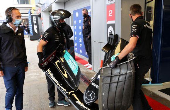 Lewis Hamilton crashes into pit wall as Lando Norris takes pole for Russian GP