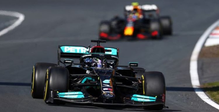 Lewis Hamilton fumes at Mercedes strategy during Dutch GP battle with Max Verstappen
