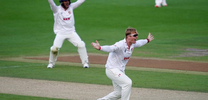 Simon Harmer moves to 49 Championship wickets as Essex beat Gloucestershire