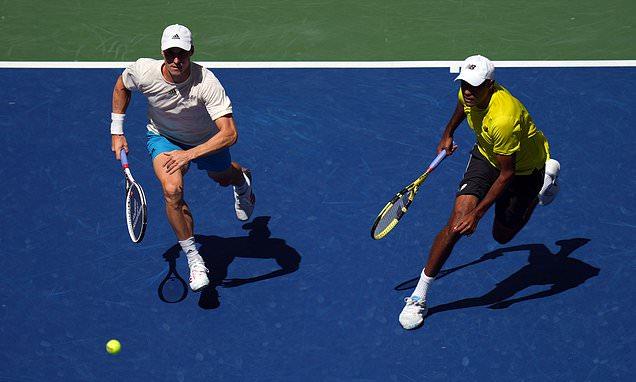 US Open: Joe Salisbury beats Jamie Murray