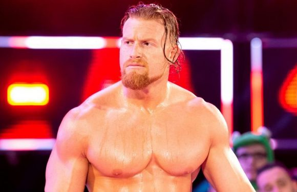WWE star apologises and deletes tweet after criticism of photo he shared