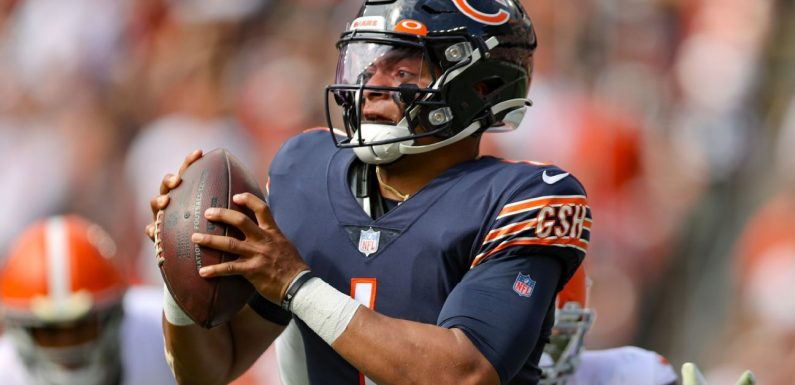 Bears' Fields says he'll be OK to play vs. Packers