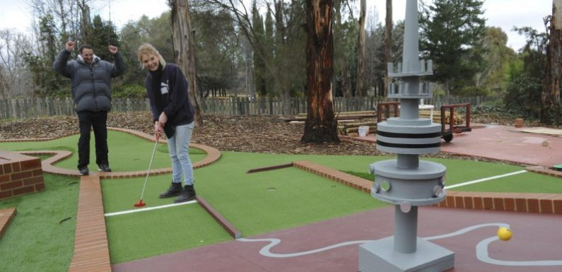 Mini-golf to the max: old game in the rough but simulators and putt-putt are in