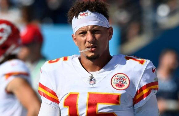 Patrick Mahomes on turnovers in Chiefs' blowout loss to Titans: 'I just pressed a little bit too early'